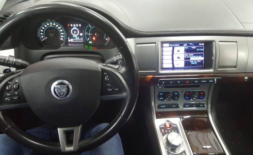 Jaguar XF Luxury